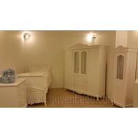 Kralicem 4 kapaklı dolaplı bebek odası antik sisli-altın varaklı